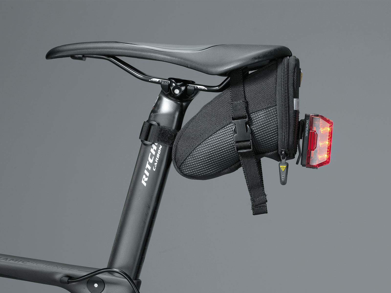 REDLITE® AERO USB | Topeak